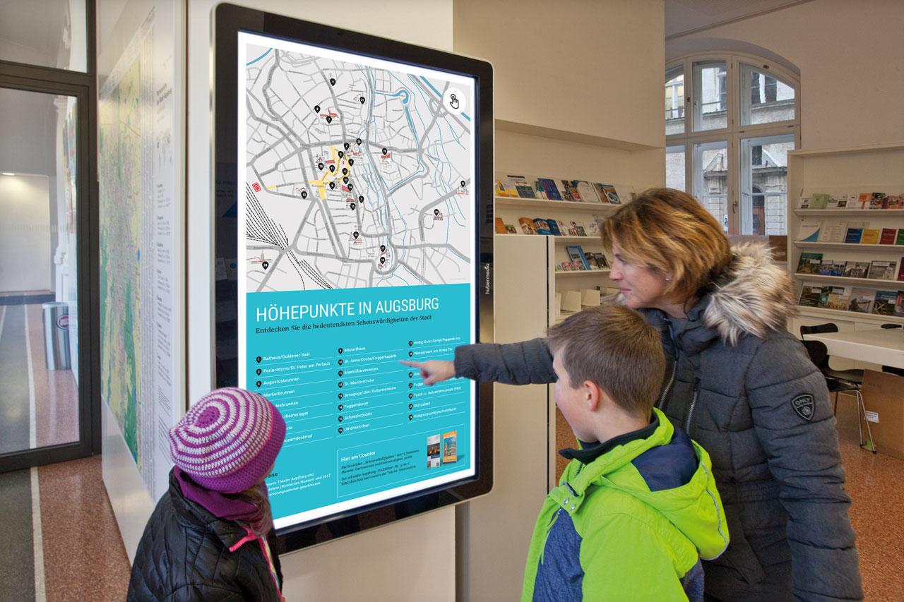 Infoterminal in der Tourist-Information Augsburg